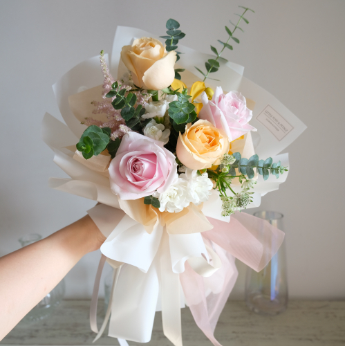 Little Oliver (pink & champagne rose bouquet)