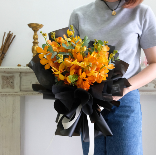 Mokara Orange (flower bouquet)