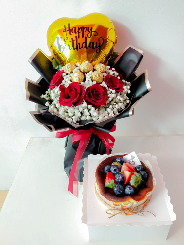 Sweet Heart Bouquet With Burnt Cheese Cake Sets
