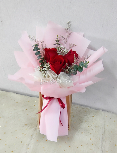 Fresh Red Roses Bouquet (Pink Series) 003