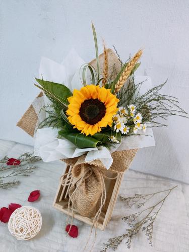 Sunflower bouquet 04