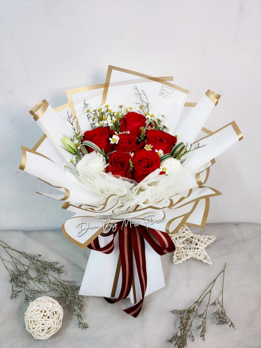 Fresh Red Roses Bouquet 005
