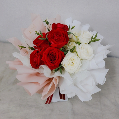 Fresh Red Roses Bouquet 006