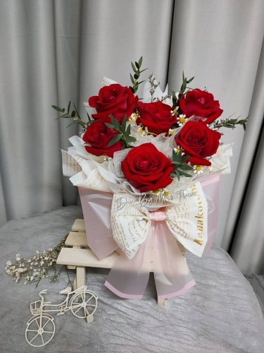 Red Roses Floral Box 01