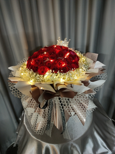 52 stalk fresh red roses bouquet 01
