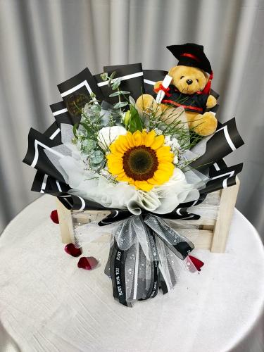 Graduation bouquet 01