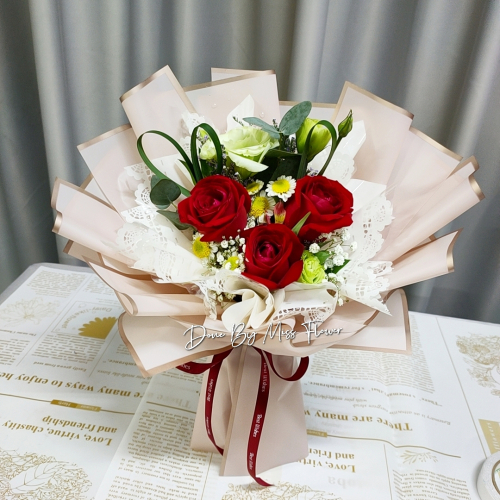 Fresh Red Roses Bouquet 010