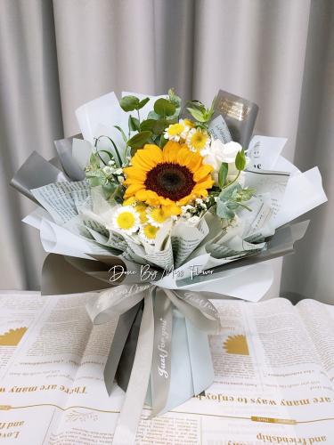 Sunflower bouquet 11