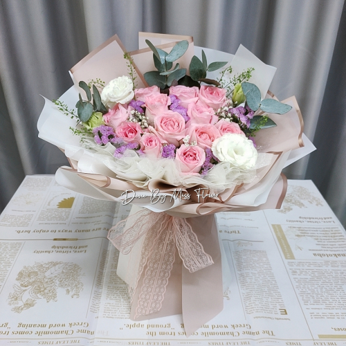 Pink Roses Bouquet 05