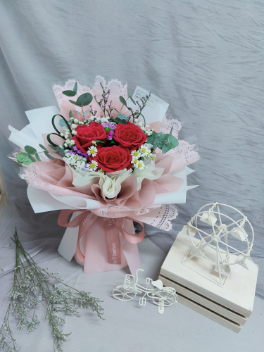 Fresh Red Roses Bouquet 014