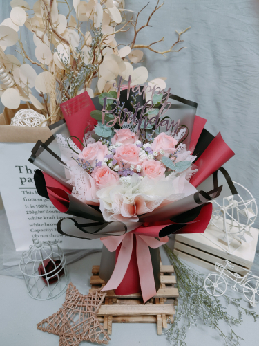 Pink Roses Bouquet 08