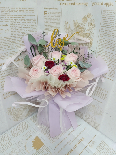 Pink Roses Bouquet 09