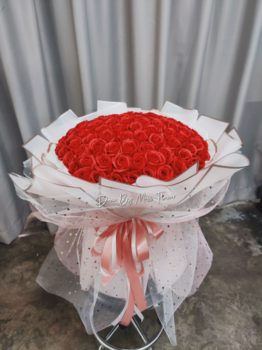 99 stalks Soap Red Roses Bouquet 01