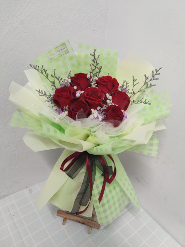 Fresh Red Roses Bouquet 018