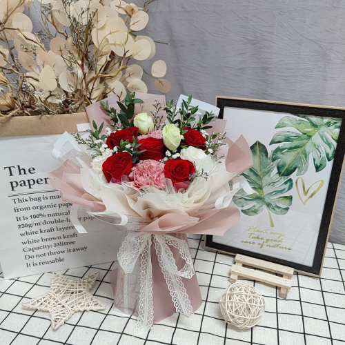 Fresh Red Roses Bouquet 019