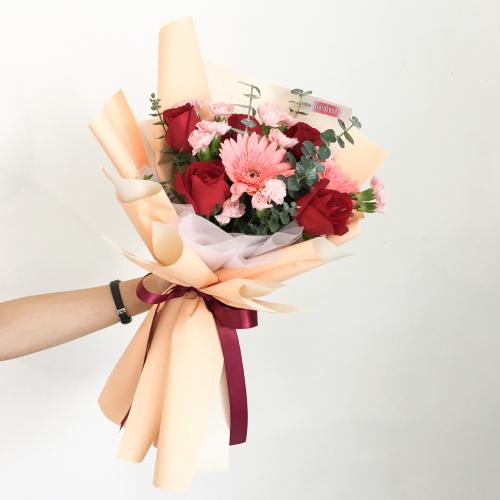 Fresh Flower | Mia