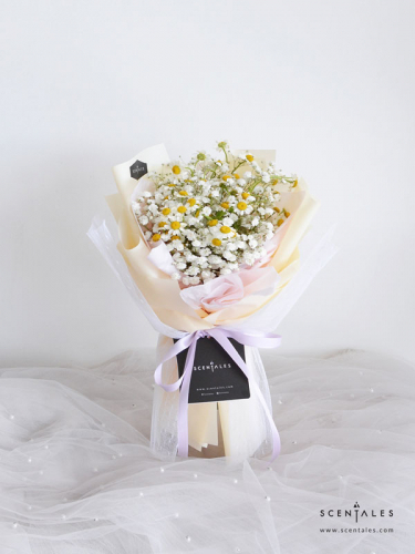 Snowy Chamomile Flower Bouquet