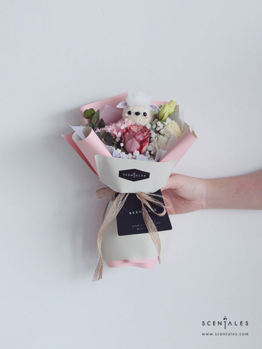 Scentales Wooly The Sheep Petite Flower Bouquet