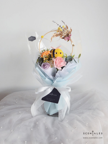 Scentales Chasing Bee Flower Bouquet