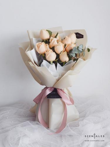 Scentales Minimalist Champagne Rose Flower Bouquet