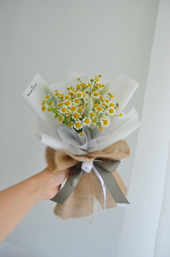 Chamomile Bunny Tail bouquet