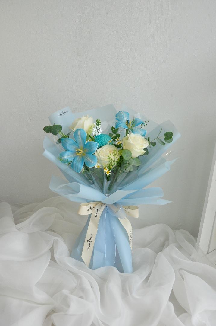 Blue Tulip Bouquet Secret Floral S Flower On Thefloristmarket Com