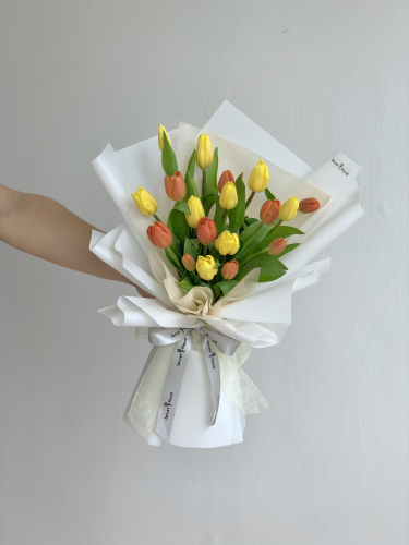 Tulip bouquet (Yellow & Orange)