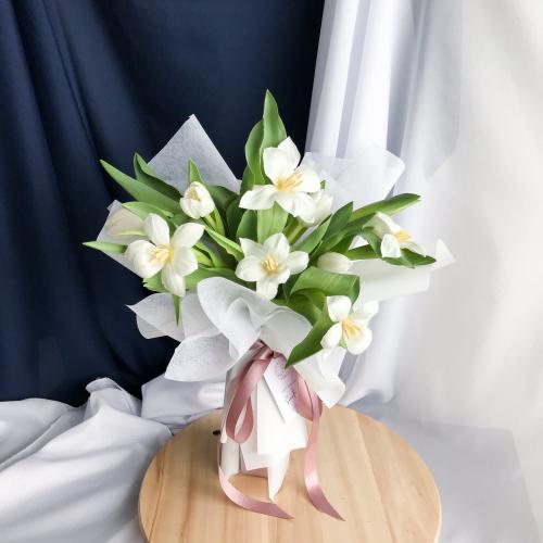 10 stalks Tulips