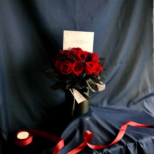 Nana- 20 stalks of roses flower box