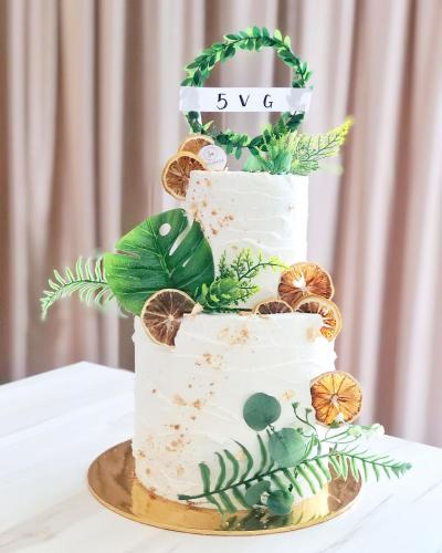 Clean and Simple Mori Cake