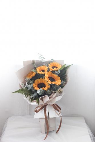 SDTFM07 - Sunflower Bouquet