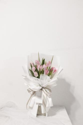 SDTFM08 - Lovelyn Pink Tulip Bouquet