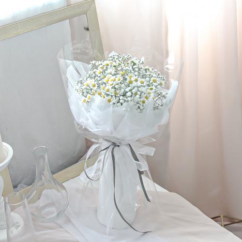 SDTFM23 - Daisy and Baby Breath Bouquet