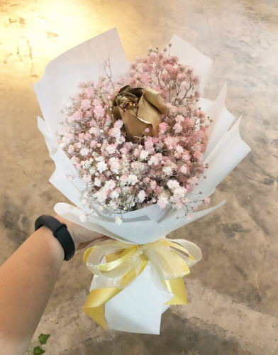 Baby breath and rose bouquet