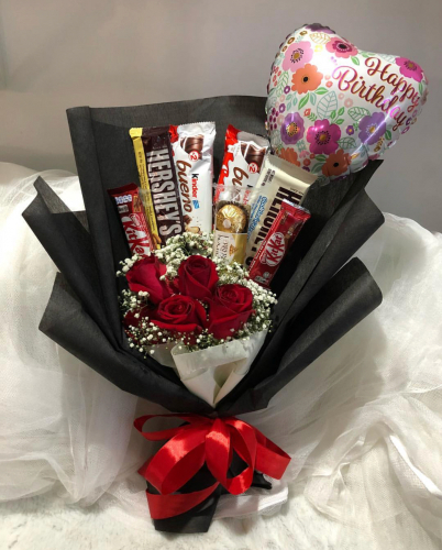 Sweet - chocolate and roses bouquet