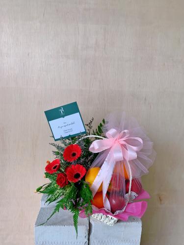 Fruits & Flowers Bakset