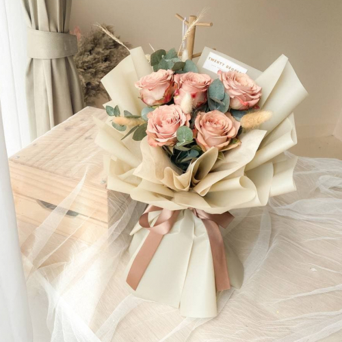 Bonnie Cappuccino Roses Bouquet