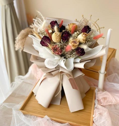 Amira Dried Flowers Bouquet